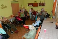 Taneční terapie ve společenské místnosti